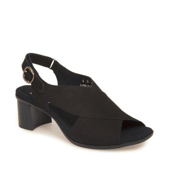 MUNRO laine black suede sandals size 9 EU
